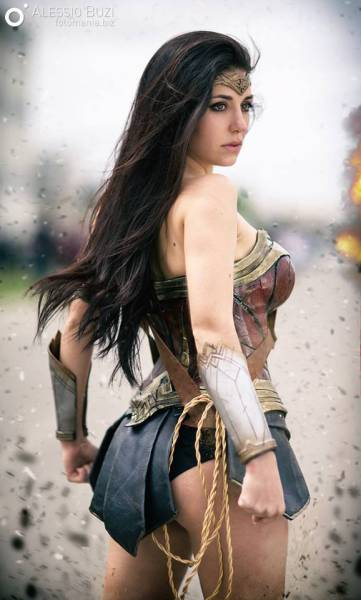 These Sexy Cosplay Girls Are Bringing Every Nerd's Fantasy To Life (48 pics)