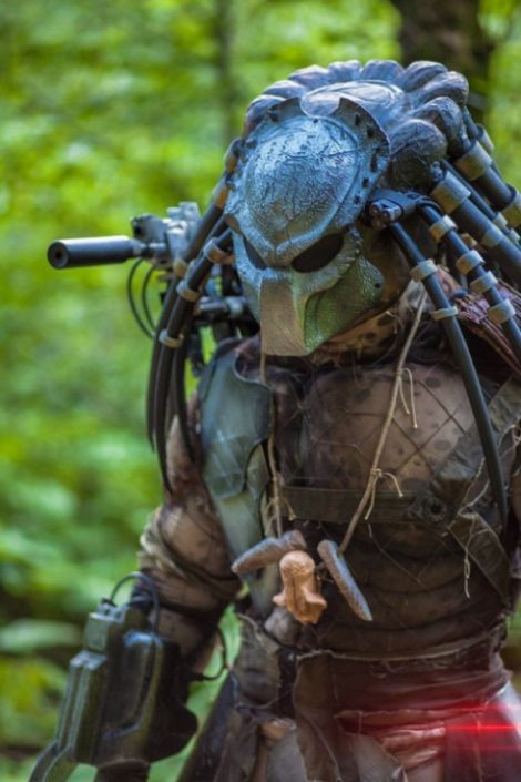 This Impressive Predator Cosplay Will Blow You Away (7 pics)