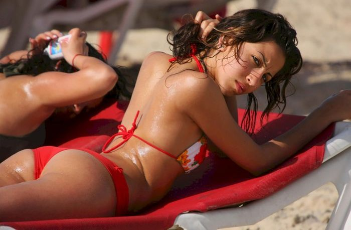 Stunning Bikini Babes To Remind You That Summer Is The Best Season (25 pics)