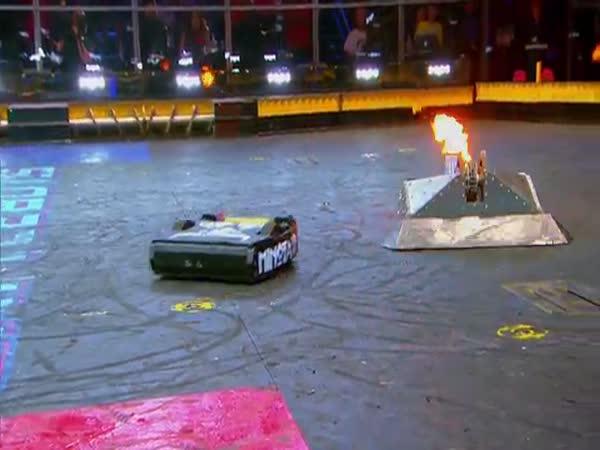Amazing Blacksmith Vs Minotaur Battle
