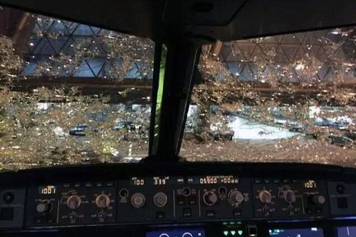 Pilots Land Plane Blind After Hail Destroys Their Windshields (5 pics)