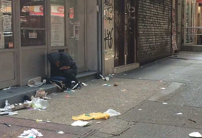 People Collapse In New York City After Smoking A Bad Batch Of Synthetic Marijuana (5 pics)