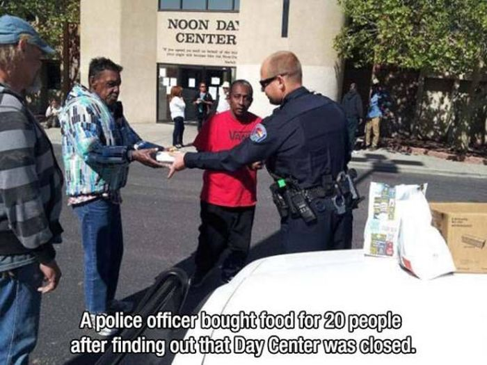 Photos To Remind You That There Are Still Good People In This World (26 pics)