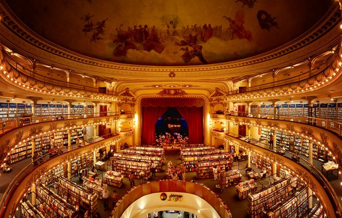 Old Theater Converted Into A Breathtaking Bookstore (9 pics)