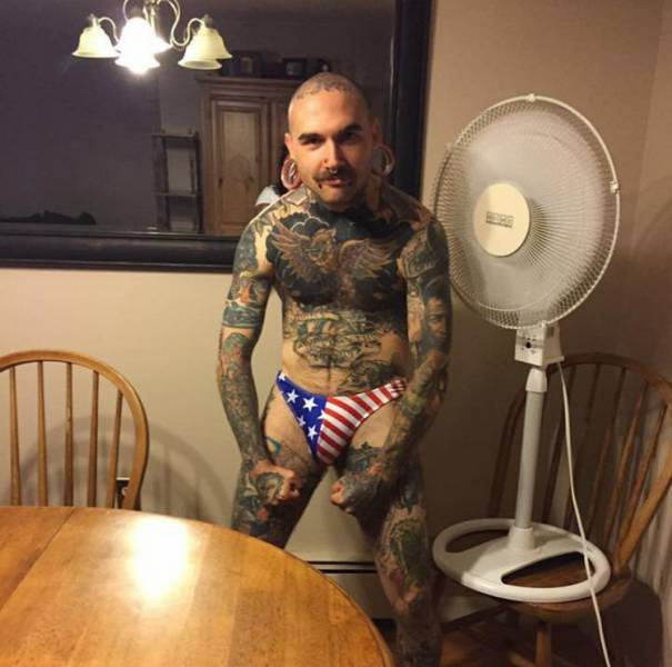 People Who Proudly Changed Their Look With Body Modifications (39 pics)