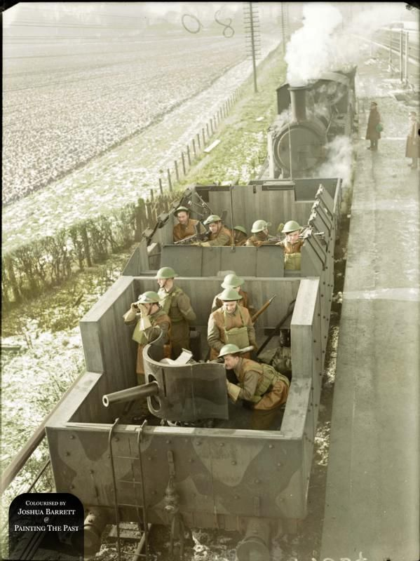Pictures That Capture The Everyday Lives Of Soldiers At War (39 pics)