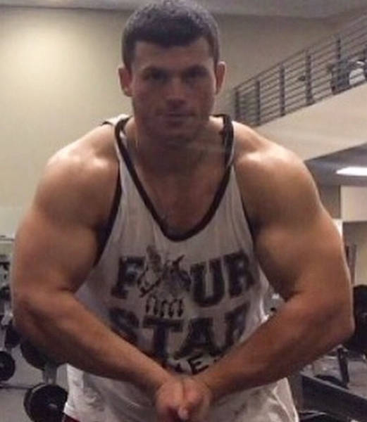 This Guy Weighed Almost 500 Pounds But Now He's Ripped (12 pics)