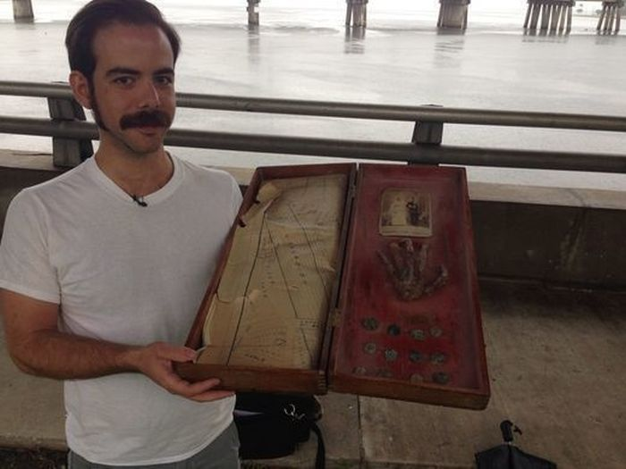 Family Finds A 200 Year Old Secret In Their Grandfather's Attic (10 pics)