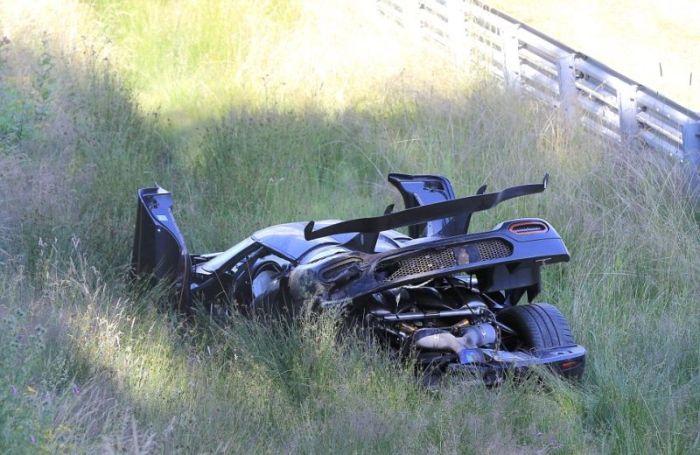 Koenigsegg One: 1 Worth $6 Million Crashes In Germany (8 pics)
