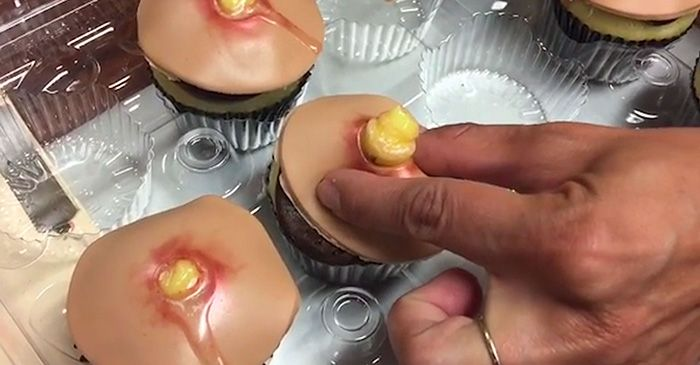 Now You Can Get Pimple Cupcakes With Squeezable Heads (5 pics)