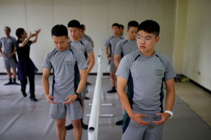 South Korean Soldiers Use Ballet To Battle Stress (10 pics)