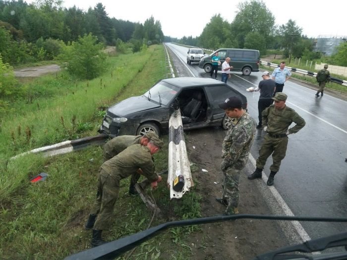 Lucky Driver Survives After Brutal Accident On The Road (2 pics)