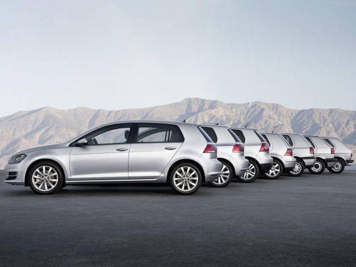 Comparacion de autos entre clasicos y modernos de la misma m