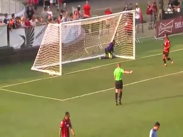 Is This The Worst Ever Blunder By A Goalkeeper. Minnesota United Vs Bournemouth