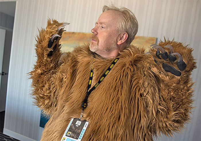 Adam Savage Creates Hilarious Leonardo DiCaprio Cosplay For Comic Con (4 pics)