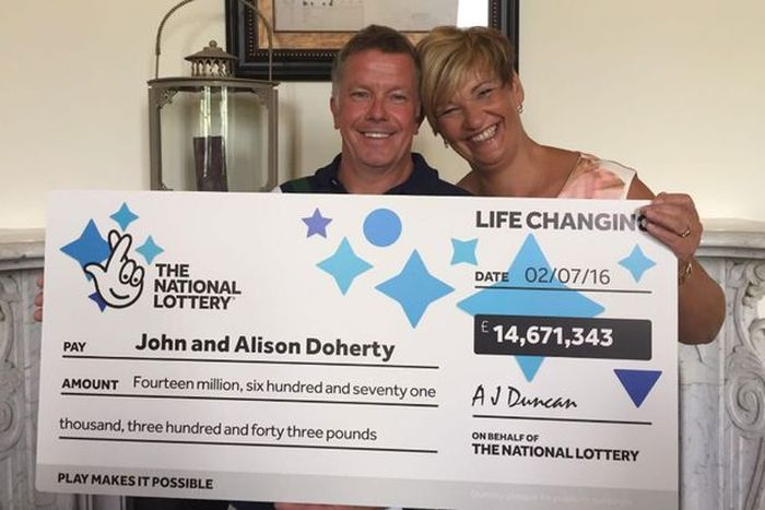 Plumber Goes Back To Work Just Two Days After Winning The Lottery (3 pics)