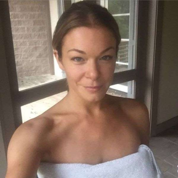 Celebrities Share Selfies With No Makeup On (70 pics)