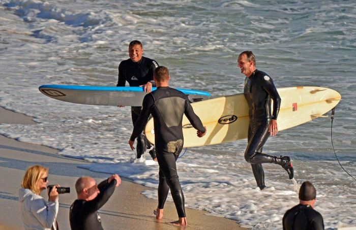 Surfers Rush Back To Shore After Spotting A Shark Off The Coast Of Australia (4 pics)
