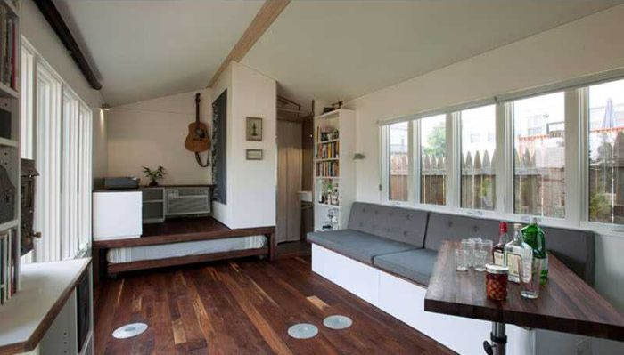 This Little House Looks A Lot Bigger On The Inside (12 pics)
