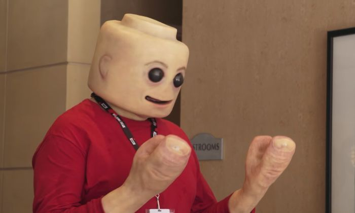 This Real Life LEGO MiniFig Cosplay Will Freak You Out (4 pics + video)