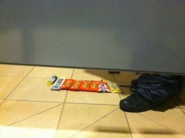 Awkward And Hilarious Pictures That Will Force You To Question Everything (38 pics)