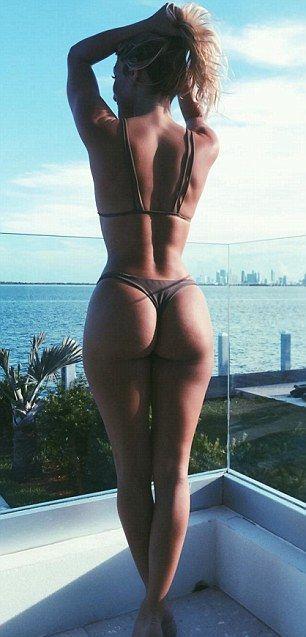 Cristiano Ronaldo Spotted With Sexy Fitness Model Cassandre Davis (10 pics)