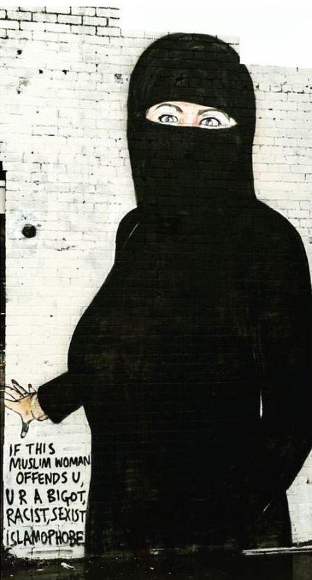 Nearly Naked Hillary Clinton Graffiti Gets Turned Into A Muslim Woman (2 pics)