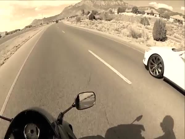 Sportbike Gets Smoked By A Tesla Model S