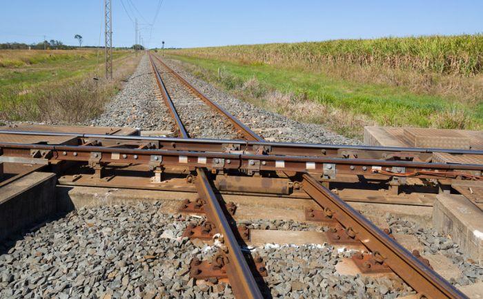 Photographer Captures Australia's Strangest Railroad Crossing (3 pics + video)
