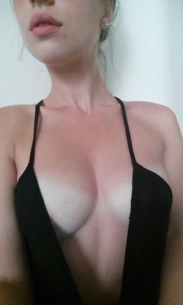 Sexy Ladies Know That Bra-Free Is The Way To Be (51 pics)