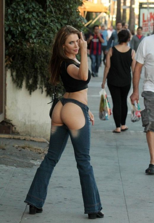 Erika Jordan Takes To The Streets In Very Revealing Jeans (8 pics)