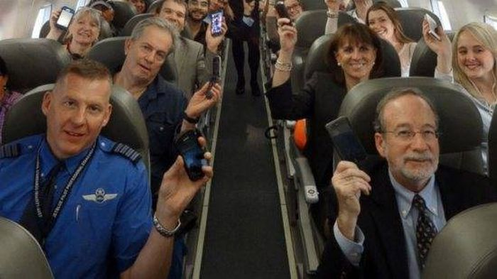 The Truth About What Really Goes On During Flights (20 pics)