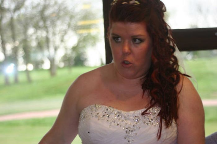 Newlyweds Receive Disappointing Wedding Photo Package (7 pics)