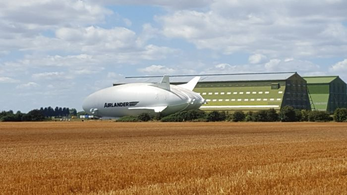 Hybrid Aircraft Airship Set To Take Flight Later This Month (3 pics)