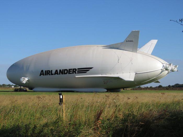 Hybrid Aircraft Airship Set To Take Flight Later This Month (3 pics)