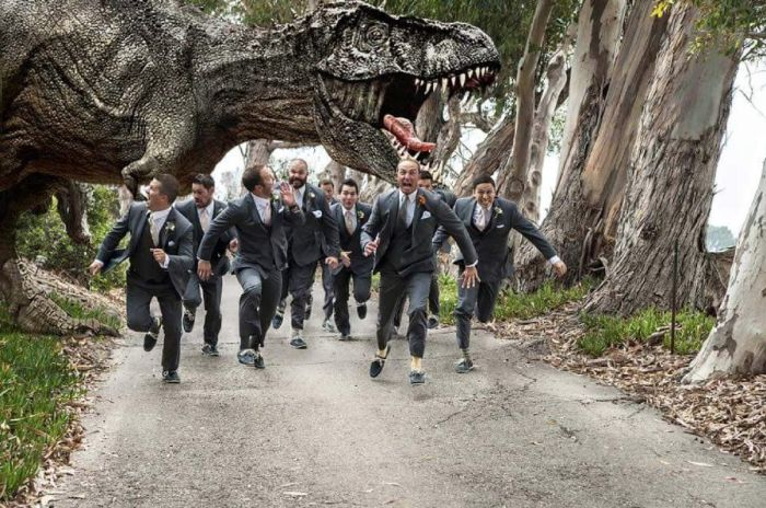 Awesome Groomsmen Who Took Their Wedding Photos To The Next Level (19 pics)