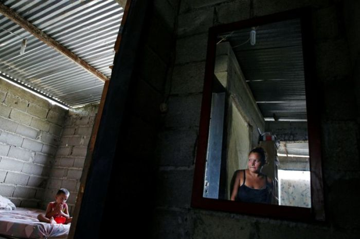 Women In Venezuela Have Had To Resort To Sterilization (14 pics)
