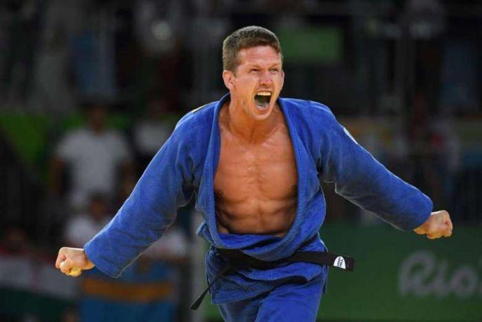 Belgian Olympic Judo Medal Winner Assaulted On Copacabana (3 pics)