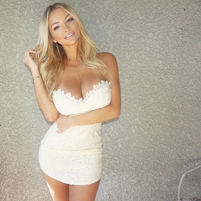 Lindsay Pelas Is One Of The Sexiest Models On Instagram 8 (32 pics)