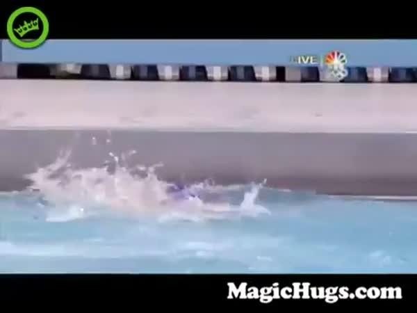 Michael Phelps Has A Pretty Agressive Celebration