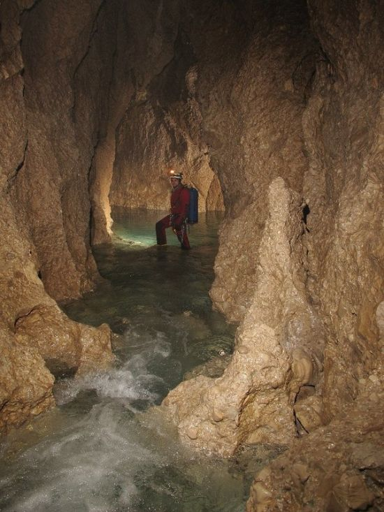 Underground Cave Shows Harsh Conditions Of The Underworld (13 pics)