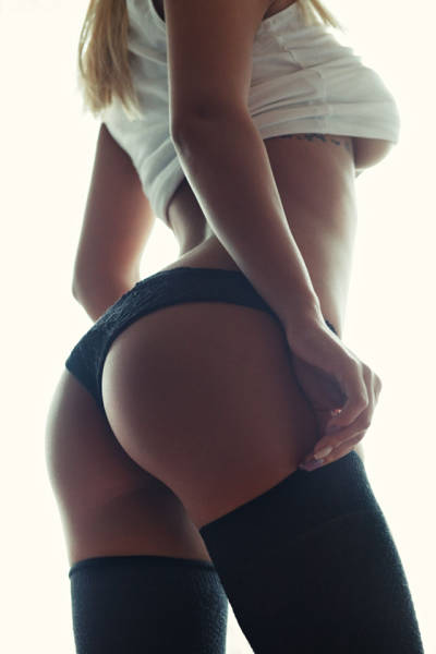 Prepare To Be Mesmerized By These Gorgeous Butts (64 pics)