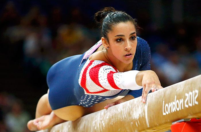 Everyone's Falling In Love With Hot Olympic Athlete Aly Raisman (19 pics)