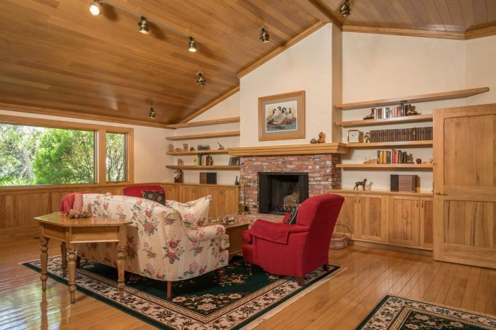 Apple Employee Mike Markkula Is Trying To Sell His Ranch For $45 Million (9 pics)