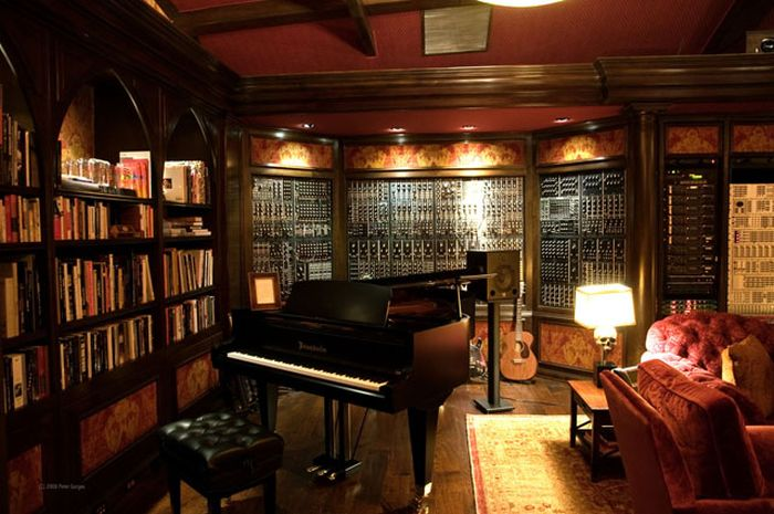 A Look Inside Hans Zimmer's Incredible Studio (14 pics)