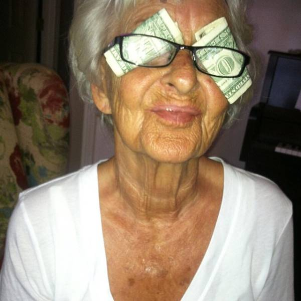 Cool Granny Is Back With Some More Epic Instagram Photos (15 pics)
