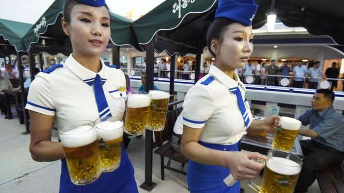 An Inside Look At North Korea's First Beer Festival (10 pics + video)