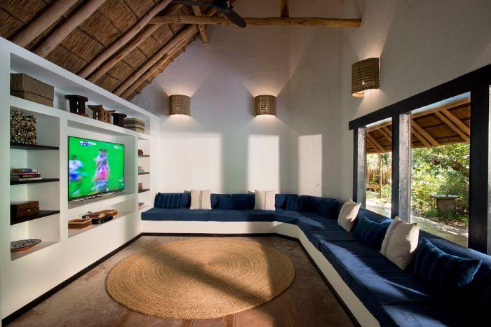 London Architect Michaelis Boyd Designs Incredible Island Getaway (14 pics)