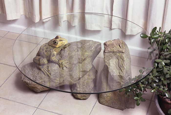 Clever Tables Make It Look Like Animals Are Emerging From Water (9 pics)