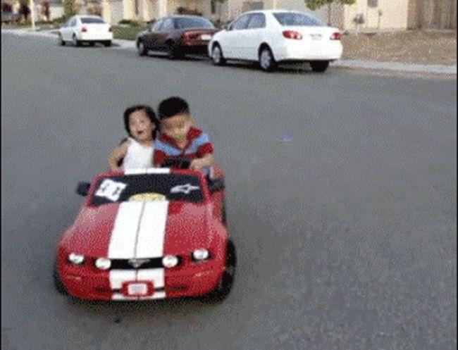 Gifs Of Little Kids That Make Them Look Like Mini Drunk People (30 gifs)